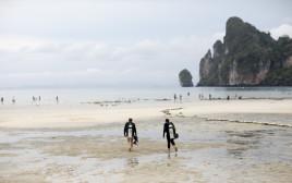 צלילה בקופיפי שבתאילנד, אילוסטרציה (למצולמים אין קשר לנאמר בכתבה)