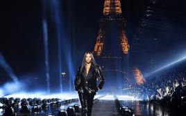 נעמי קמפבל בשבוע האופנה פריז