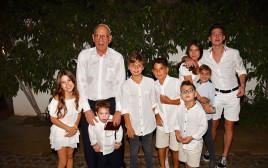רמי אונגר והנכדים