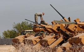חייל מצבא טורקיה סמוך לגבול עם סוריה