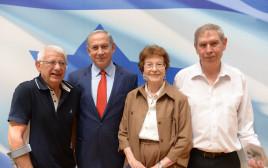 מרסל ניניו ורוברט דסה עם ראש הממשלה בנימין נתניהו וראש המוסד תמיר פרדו