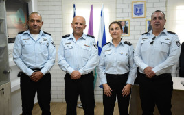 חילופי פיקוד בבתי מעצר