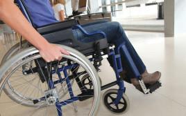 חולה בכיסא גלגלים