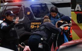 פינוי פצועים מאזור האירוע בניו ג'רזי