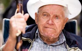 איש זקן כועס