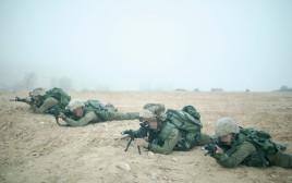 חיילם באימון