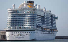 """ספינת התענוגות """"קוסטה סמרלדה"""""""