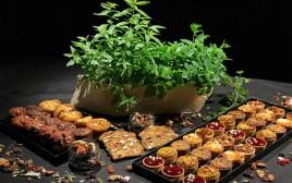 """מגשי אירוח לט""""ו בשבט של מונייר"""