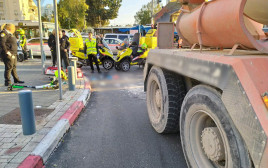 תאונת דרכים קטלנית בתל אביב (צילום: דוברות המשטרה)
