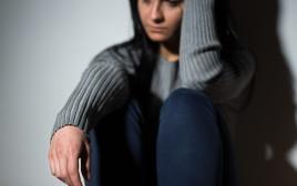 אלימות במשפחה, אישה מפחדת