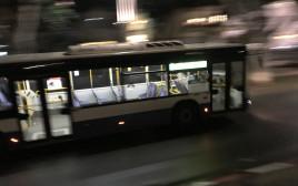 אוטובוס שומם בשל הקורונה