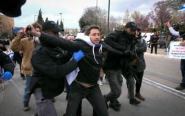 עצורים בשיירת המחאה נגד אדלשטיין