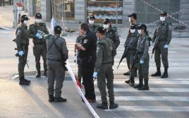"""כוחות משטרה ומג""""ב בבני ברק (למצולמים אין קשר לנאמר בכתבה)"""