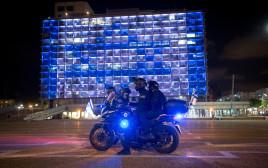 שוטרים בכיכר רבין בערב העצמאות