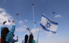 מטס חיל האוויר ליום העצמאות מגג ביה״ח שערי צדק בירושלים