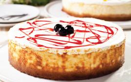 עוגת גבינה אפויה עם דובדבני אמרנה