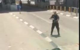 ניסיון דקירה במחסום קלנדיה