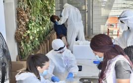 בדיקות קורונה לעובדים זרים בדרום תל אביב