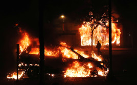 """מהומות בארה""""ב - מיניאפוליס"""