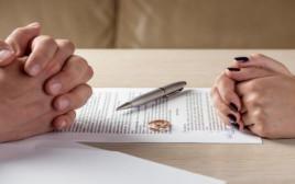 הסכם גירושין(צילום: שאטרסטוק)