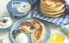לחם יווני שטוח עם ציזיקי