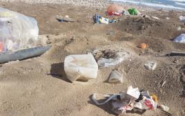 פסולת ימית בחוף קריית חיים