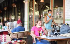 סכנת הידבקות בקורונה במסעדה בתל אביב