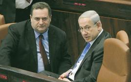 """ראש הממשלה בנימין נתניהו ושר האוצר ישראל כ""""ץ במליאת הכנסת"""