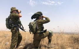 """כוננות צה""""ל בגבול הצפון לבנון מתיחות חיילים משקיפים אל הגבול"""