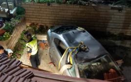 רכב הידרדר ומחץ שני צעירים למוות בערערה