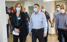 """שר הבריאות יולי אדלשטיין בביקור בבי""""ח וולפסון"""