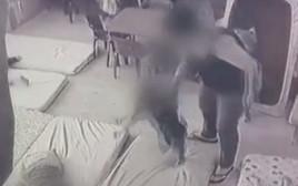 ההתעללות בגן הילדים בחולון - תיעוד ממצלמות האבטחה
