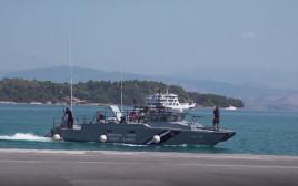 סירה ביוון
