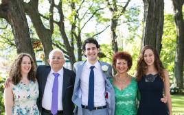 מאיה זורמן ומשפחתה