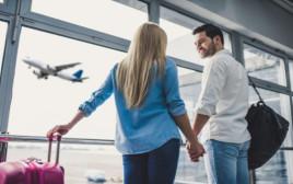 זוג בשדה התעופה
