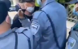 אמיר השכל מתעמת עם השוטרים