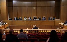 """יוון: משפטם של מנהיגי מפלגת """"שחר הזהב"""""""