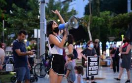 הפגנת מחאה נגד בנימין נתניהו בתל אביב