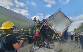 כוחות הביטחון בזירת התאונה