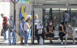 אנשים במסכה, ירושלים קורונה