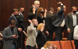 ההצבעה על הקמת ועדת החקירה לפרשת הצוללות