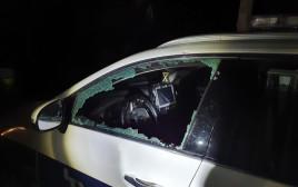 ניידת המשטרה ששבר אחד האורחים