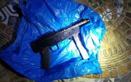 השניים חשודים במעורבות בפעילות טרור ובתכנון פיגוע ירי