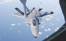 מטוס F-22