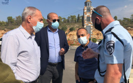 פרופ' רוני גמזו, איימן סיף ופרופ' נחמן אש בביקור בכפר ברטעה