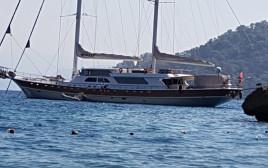 יאכטה בחוף הטורקי