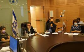 הדיון בוועדת הכספים