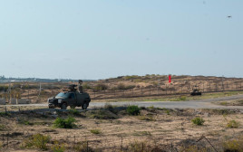 """סיור של צה""""ל בגבול רצועת עזה"""