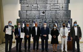 הנשיא ריבלין, השרה גמליאל וראשי הרשויות המצטיינות במיחזור
