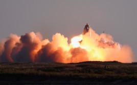 פיצוץ דגם המעבורת של SpaceX בנחיתה